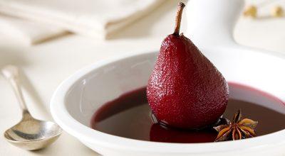 10 receitas de pera ao vinho com gostinhos muito marcantes