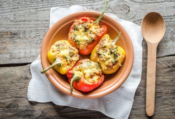 16 receitas de pimentão recheado que ninguém vai conseguir botar defeito