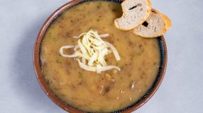 7 receitas de pirão de carne para encorpar suas refeições