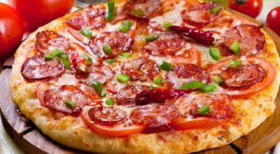 6 receitas de pizza baiana para os amantes de preparos apimentados