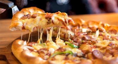 15 receitas de pizza com borda que vão te fazer sonhar acordado