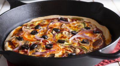 10 receitas de pizza de frigideira fit para saborear um prato mais saudável