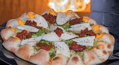 5 receitas de pizza vulcão que são uma explosão de sabor a cada mordida