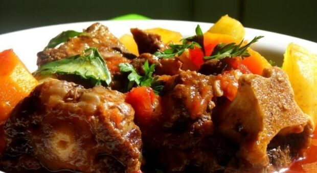 17 receitas de rabada que desmancham para um almoço bem brasileiro