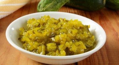 11 receitas de relish de pepino versáteis para qualquer refeição