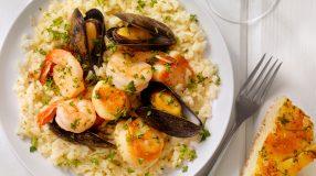17 receitas de risoto de marisco para levar o frescor do mar à sua mesa