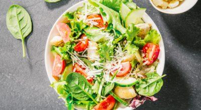 18 receitas de salada mista para montar pratos variados e coloridos