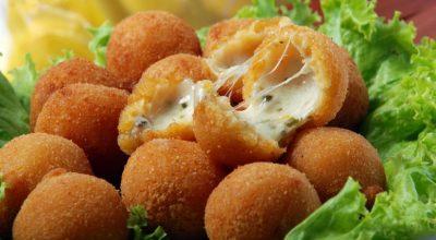 18 receitas de salgadinho de queijo para dar mais sabor ao seu dia a dia