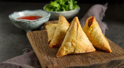 7 receitas de samosa para conhecer o sabor desse salgado indiano