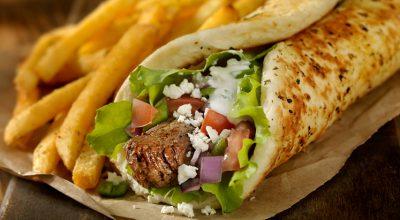 7 receitas de shawarma para se deliciar com um sanduíche árabe