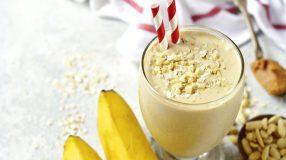 10 receitas de smoothie de banana que garantem refrescância e cremosidade