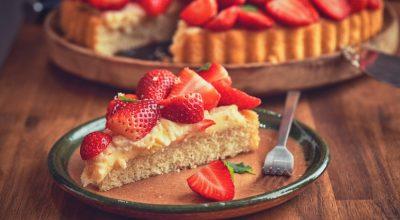 20 receitas de sobremesa de morango que trazem felicidade instantânea