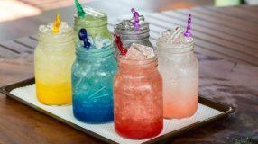 7 receitas de soda italiana, uma bebida refrescante e bem saborosa