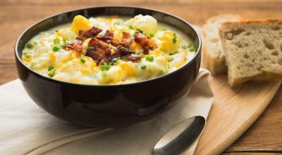 45 receitas de sopa de batata para esquentar os dias frios