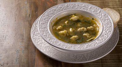10 receitas de sopa de capeletti que provam que sopa é janta sim