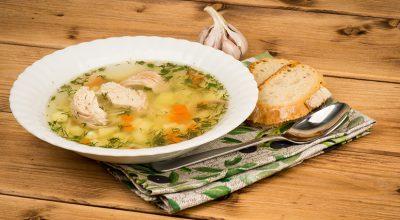 18 receitas de sopa de frango que são como um carinho no estômago