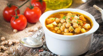 10 receitas de sopa de grão-de-bico muito saborosas e aconchegantes