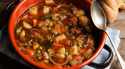 13 receitas de sopa de legumes com carne que são como um abraço