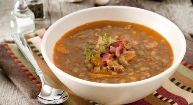 28 receitas de sopa de lentilha para você preparar essa delícia de diversas formas