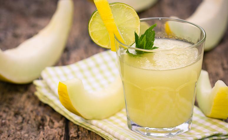 9 receitas de suco de melão para beber em dias quentes