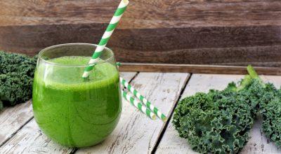 12 receitas de suco detox de couve para uma bebida mais saudável