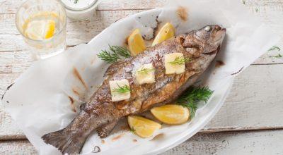 7 receitas de tainha assada para um peixe prático e saboroso