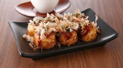 7 receitas de takoyaki para você se sentir nas ruas do Japão