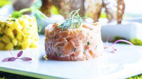 10 receitas de tartar de salmão que vão conquistar seu paladar