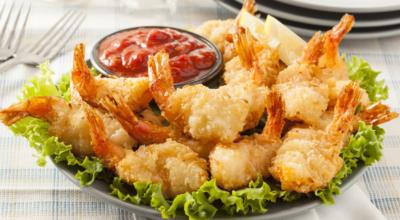9 receitas de tempurá de camarão que vão te fazer sentir saudade do mar