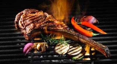 9 receitas de tomahawk para fazer bonito no churrasco