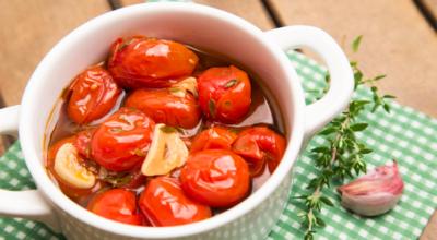 25 receitas de tomate confit para compor uma refeição digna de aplausos