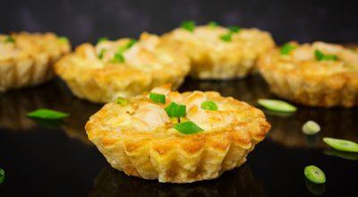 10 receitas de tortinha de frango saborosas e práticas de fazer