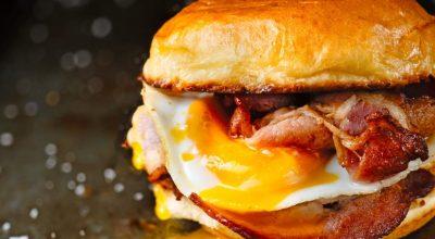 11 receitas de X-bacon para sentir todo o gostinho desse sanduíche