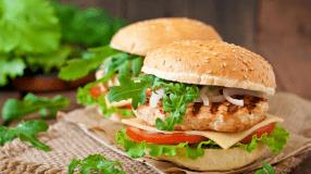 7 receitas de X-frango para comer um sanduíche muito saboroso