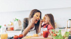 15 receitas saudáveis e divertidas para as crianças ajudarem a preparar