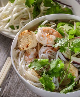20 receitas com macarrão de arroz que são saudáveis e deliciosas