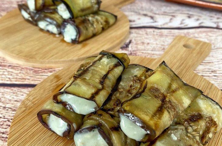 Rolinhos de berinjela com gorgonzola