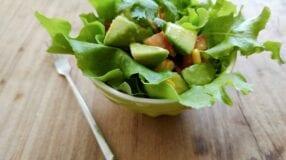 Salada de abacate com milho