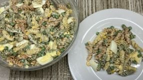 Salada de macarrão parafuso simples