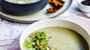Sopa de pepino com nirá e inhame
